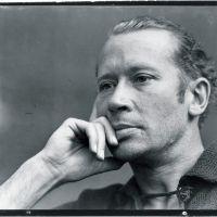 Ser nadie más que tú mismo - Consejo del poeta E.E. Cummings a los estudiantes.