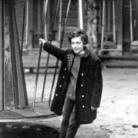 """""""La soledad sería esta melodía rota de mis frases..."""" - Selección de poemas de Alejandra Pizarnik."""